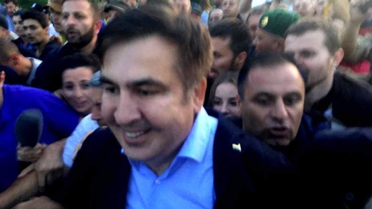 Саакашвили прорвался через границу - видео