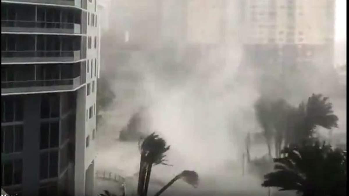 Ураган Ирма во Флориде: видео как Майами уходит под воду