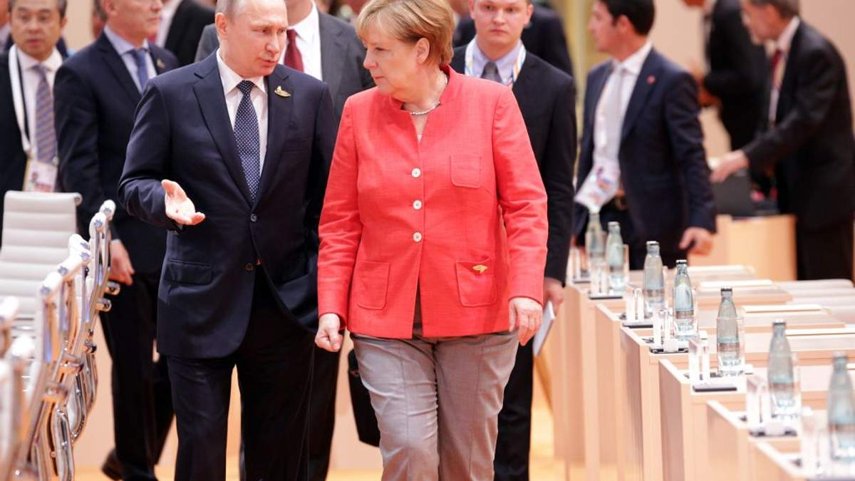 """Путин согласился внести правки в свой """"миротворческий"""" план"""