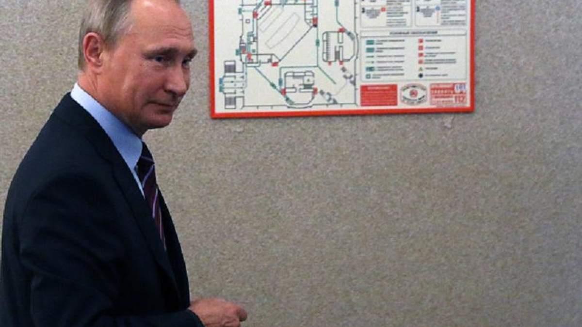 """Політолог вказав на підступність у """"миротворчому"""" плані Путіна"""