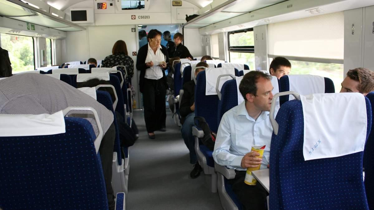Гройсман розповів, чи зміняться ціни на залізничні квитки