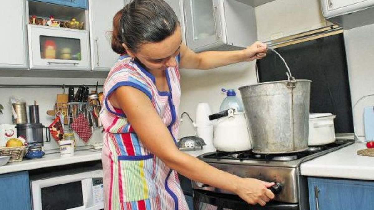 У Києві немає гарячої води через борги населення