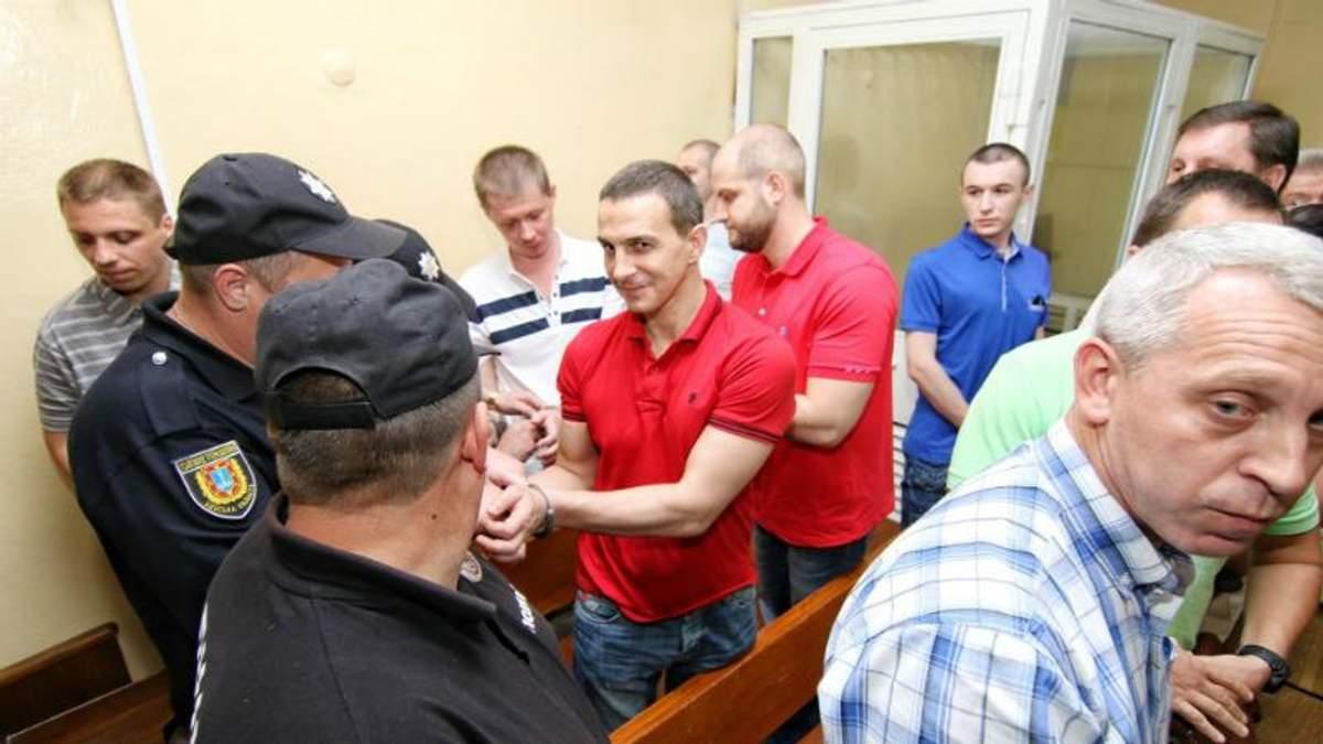 """Двох фігурантів """"справи 2 травня"""" затримали одразу після виправдання за новою статтею"""