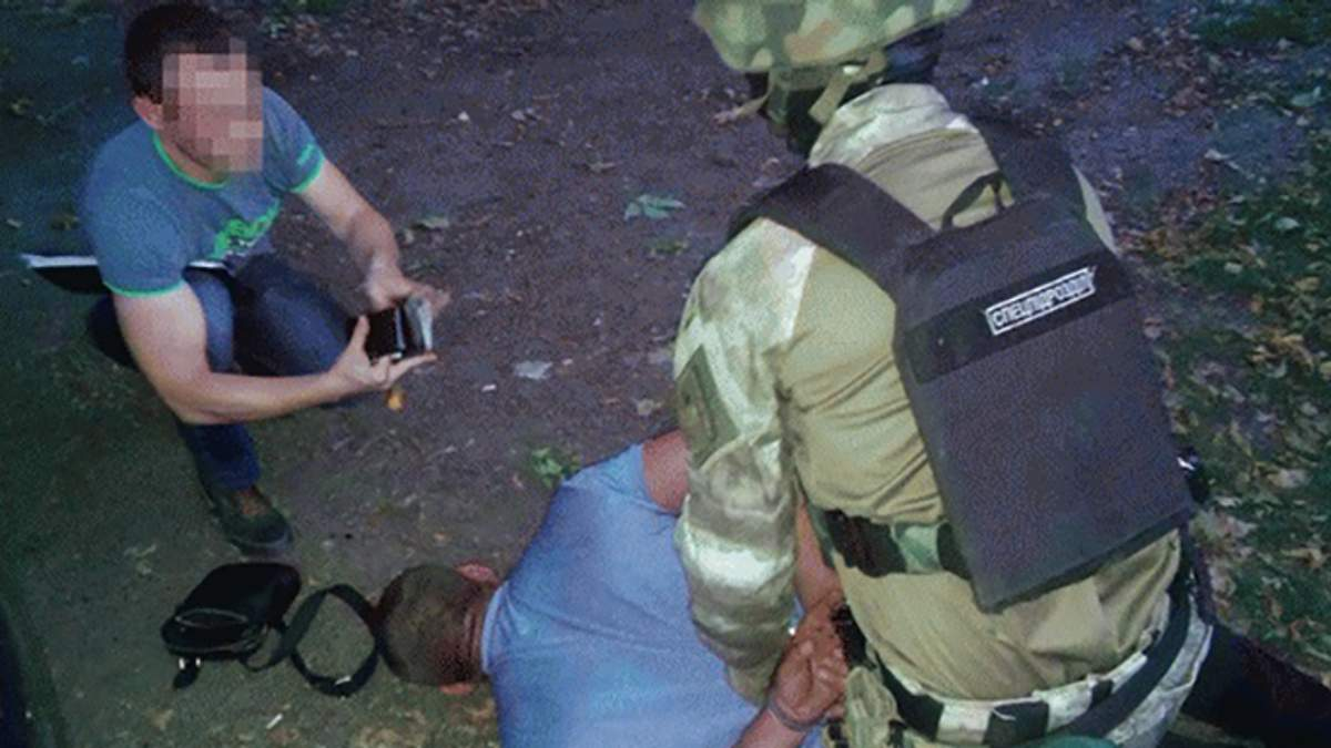 Поліція затримала сутенерів, які відправляли українок до борделів Москви