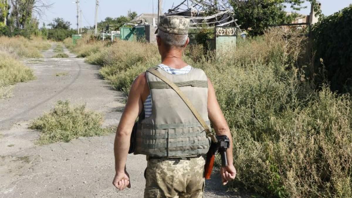 Від обстрілів бойовиків двоє українських військових поранені в зоні АТО