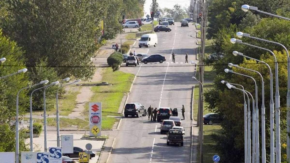 """Место взрыва автомобиля """"министра"""" в Донецке"""