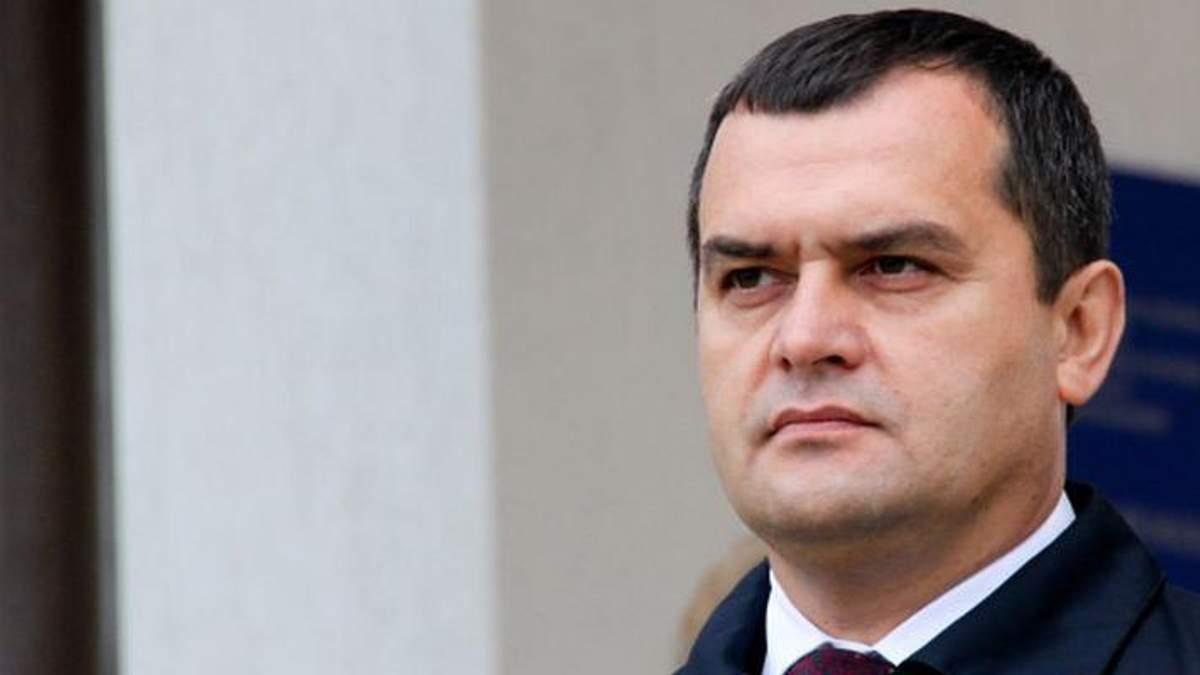 Суд арештував усе майно та кошти екс-міністра Захарченка