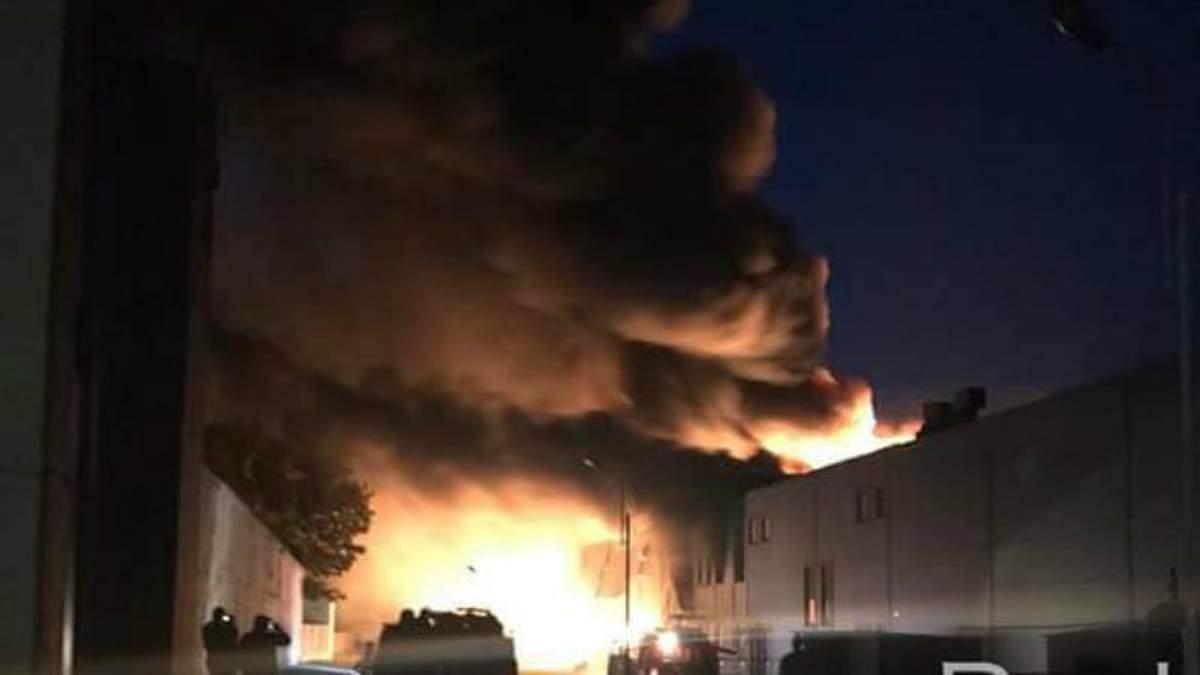 Пожар на Биофарме: в Белой Церкви горит фармзавод - фото