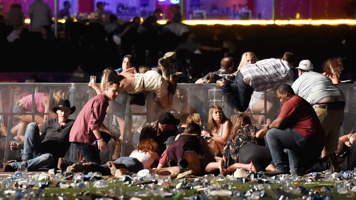 Стрілянина у Лас Вегасі: загиблих збільшилось до 50 осіб