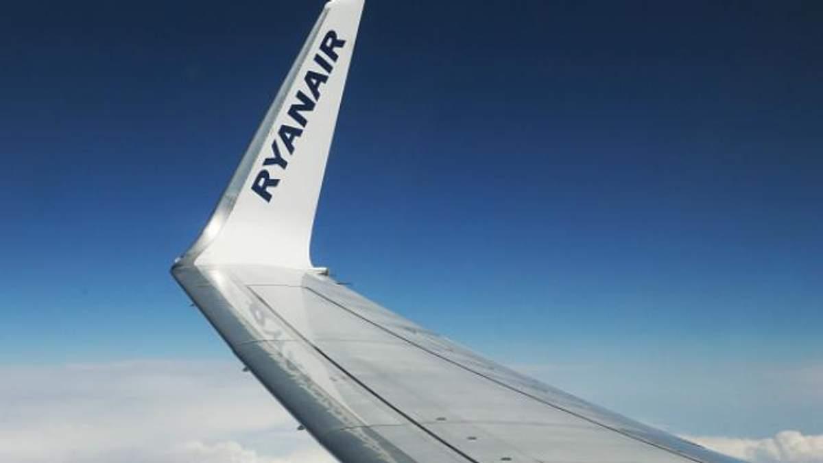 Через літак Ryanair у небо підняли реактивні винищувачі: опубліковані фото