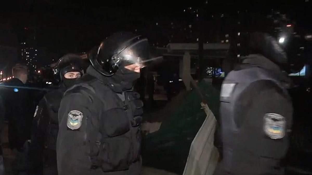 Появились резонансные детали столичных столкновений между активистами и застройщиками АЗС