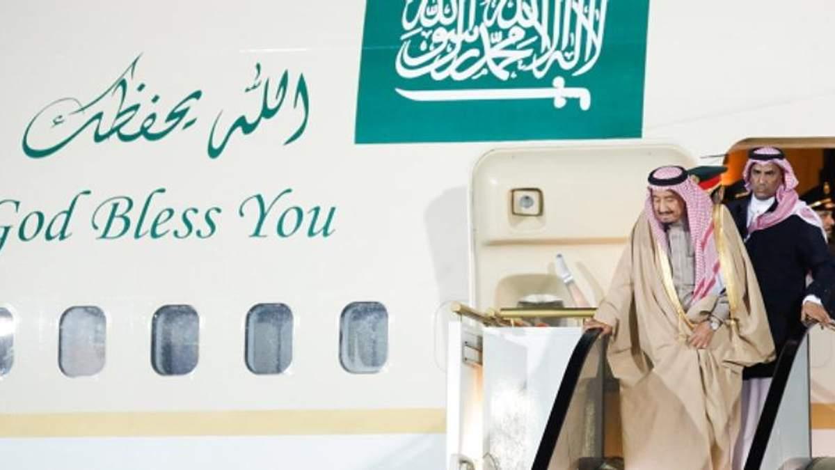 З королем Саудівської Аравії після прибуття до Москви стався конфуз: з'явилось відео