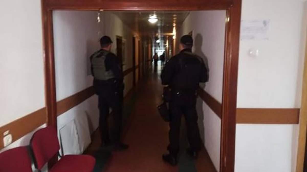 Полиция с обыском в горсовете Черкасс