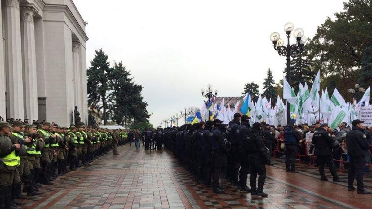 """Как Порошенко использует """"антипрезидентскую"""" акцию протеста под Верховной Радой"""