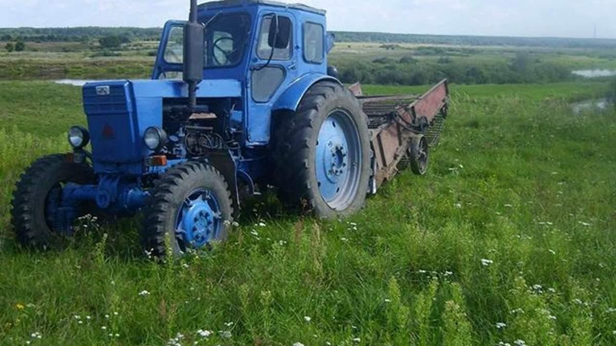 Под колесами трактора погибла 6-летняя девочка на Волыни