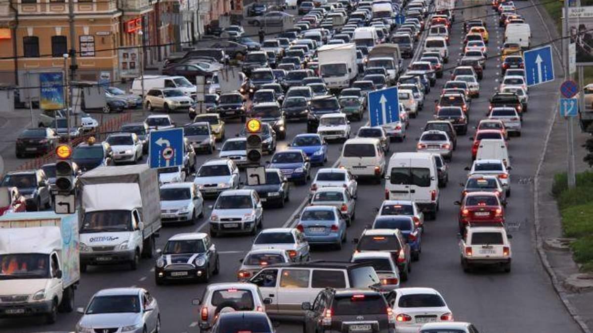 Рекордное количество правонарушений на двух киевских перекрестках зафиксировали за месяц