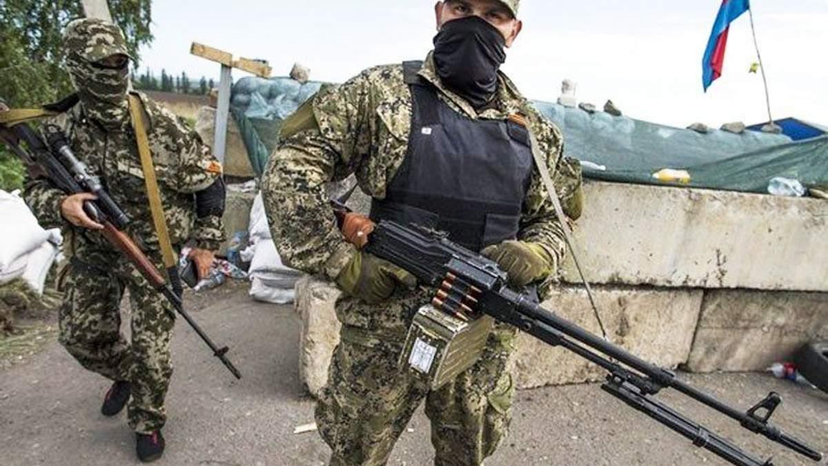 Боевики затеяли тактические учения – лупят из танков
