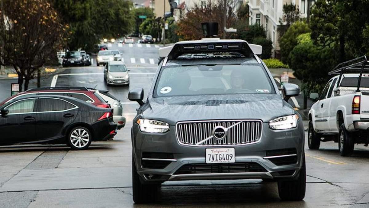 Volvo поїдуть в таксі без водія: угода з Uber