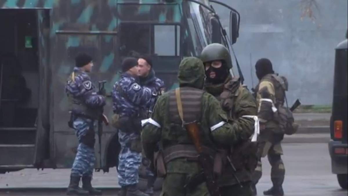 """В Луганске боевики устроили """"военный переворот"""""""