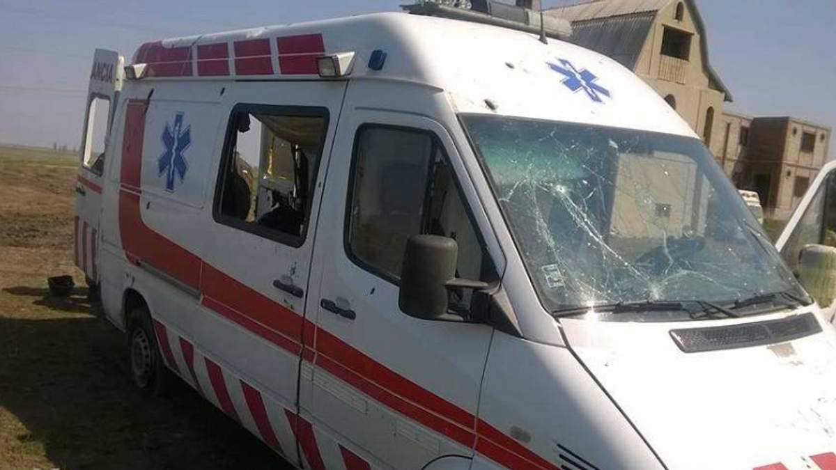 Бойовики обстріляли швидку у Луганську