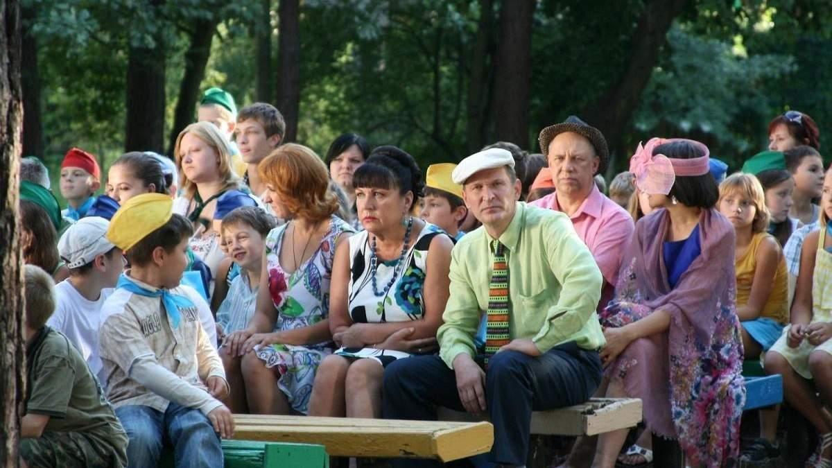 """Тухлий совок,  – журналістка проїхалась по """"Сватах"""" і Зеленському"""