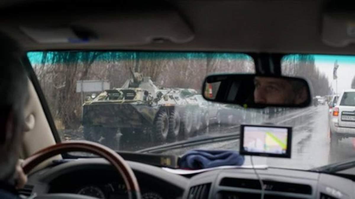 Величезна колона військової техніки бойовиків покинула Луганськ: