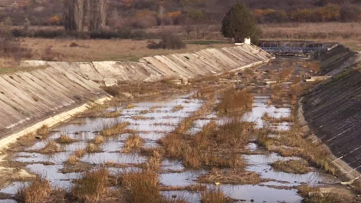Екологічне лихо в анексованому Криму: на відео зняли зміліле водосховище