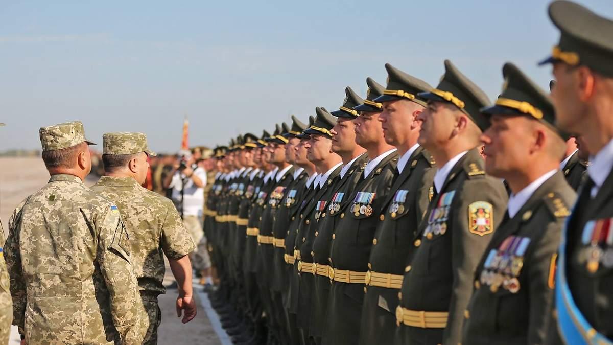 Українських військових використовують для будівництва: омбудсмен закликала Полторака припинити це
