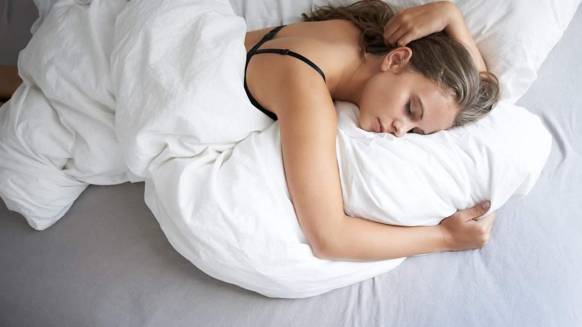 Їжа, білизна та гаджети: 7 речей, які заважають вам виспатись