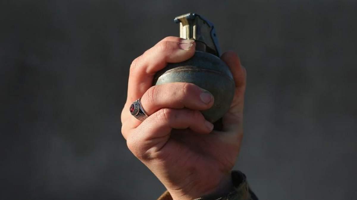 """В Авдіївці студентка носила з собою гранату """"як оберіг"""""""