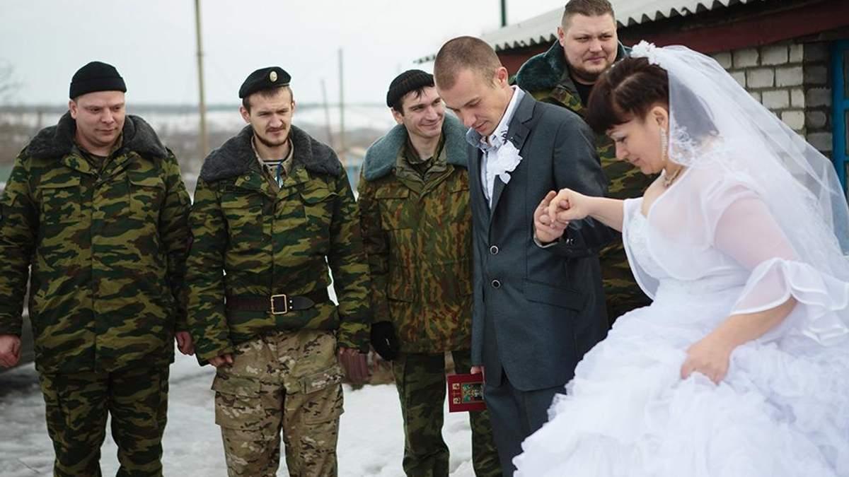 Одна з коханок бойовика вийшла за нього заміж