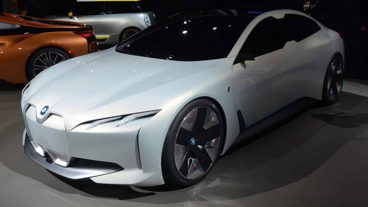 В BMW представили потенциального соперника Tesla