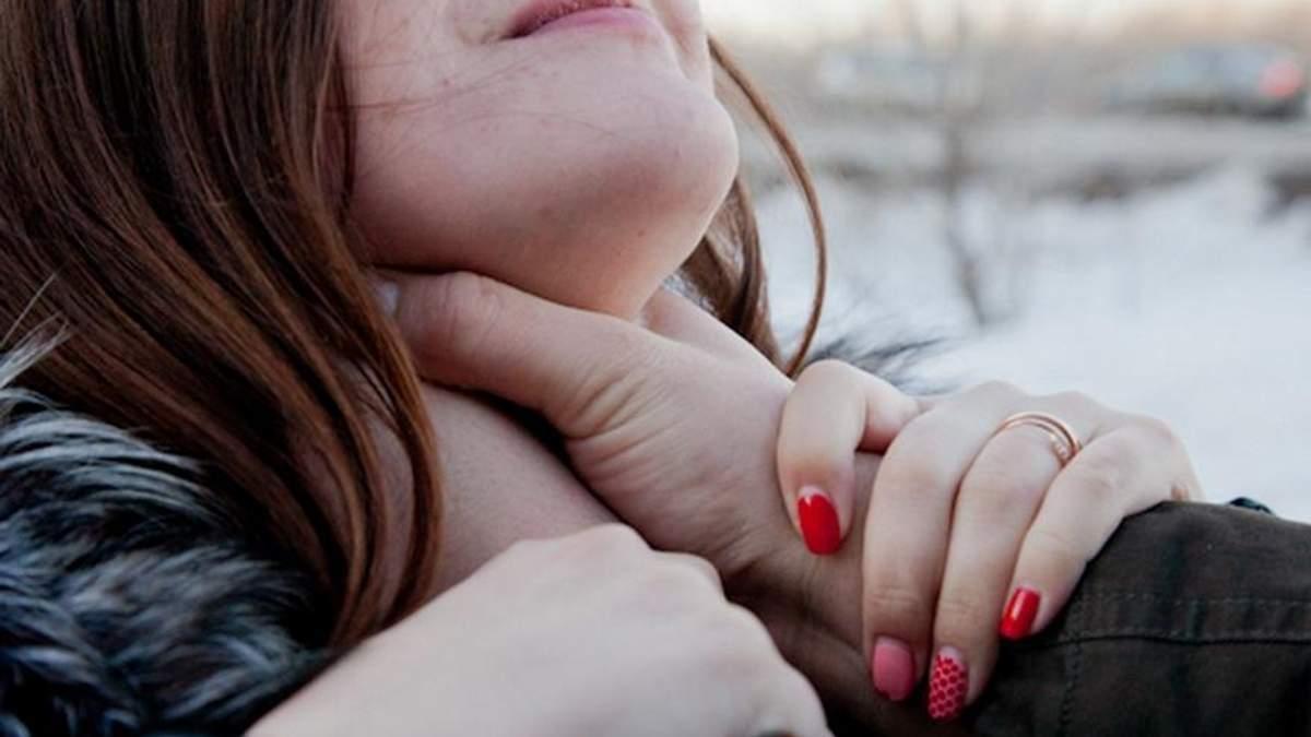 На Київщині хлопець убив свою неповнолітню дівчину через SMS