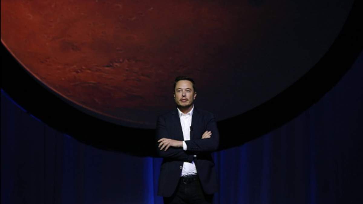 """Илон Маск рассказал о новых """"наполеоновских"""" планах SpaceX"""