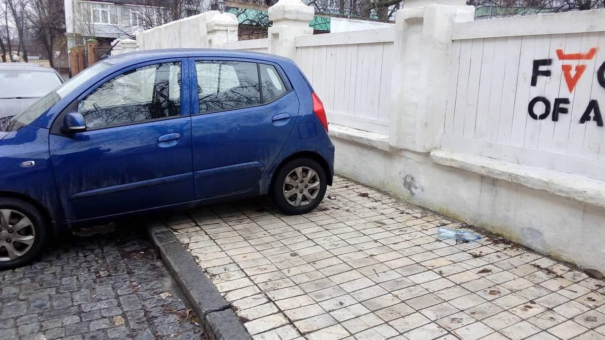 Украинские водители не знают правил парковки