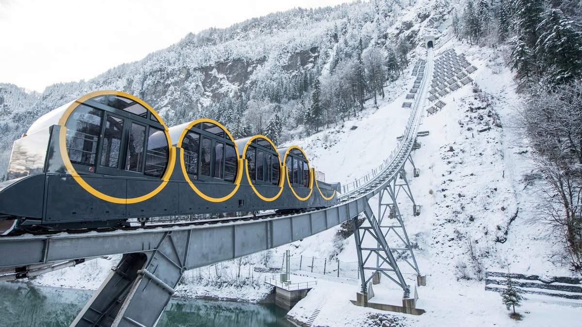 пришел швейцария быт образ жизни фото провинциальный город