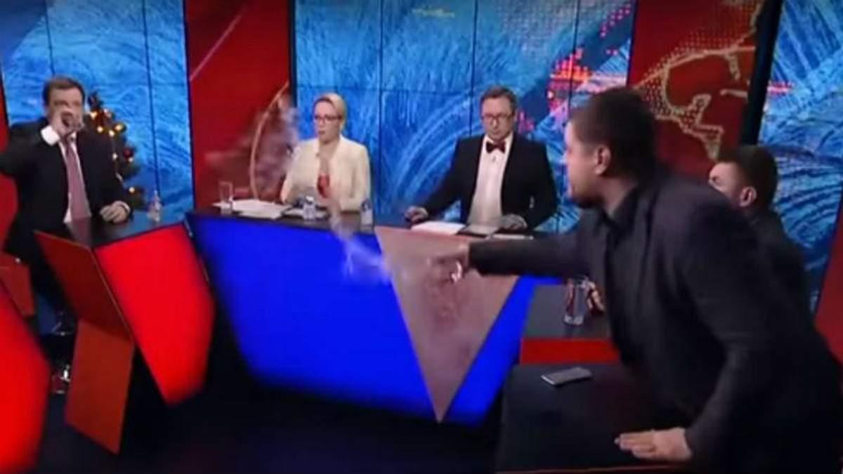 Обливная среда: двое политиков облили оппонентов водой в эфире одного и того же канала