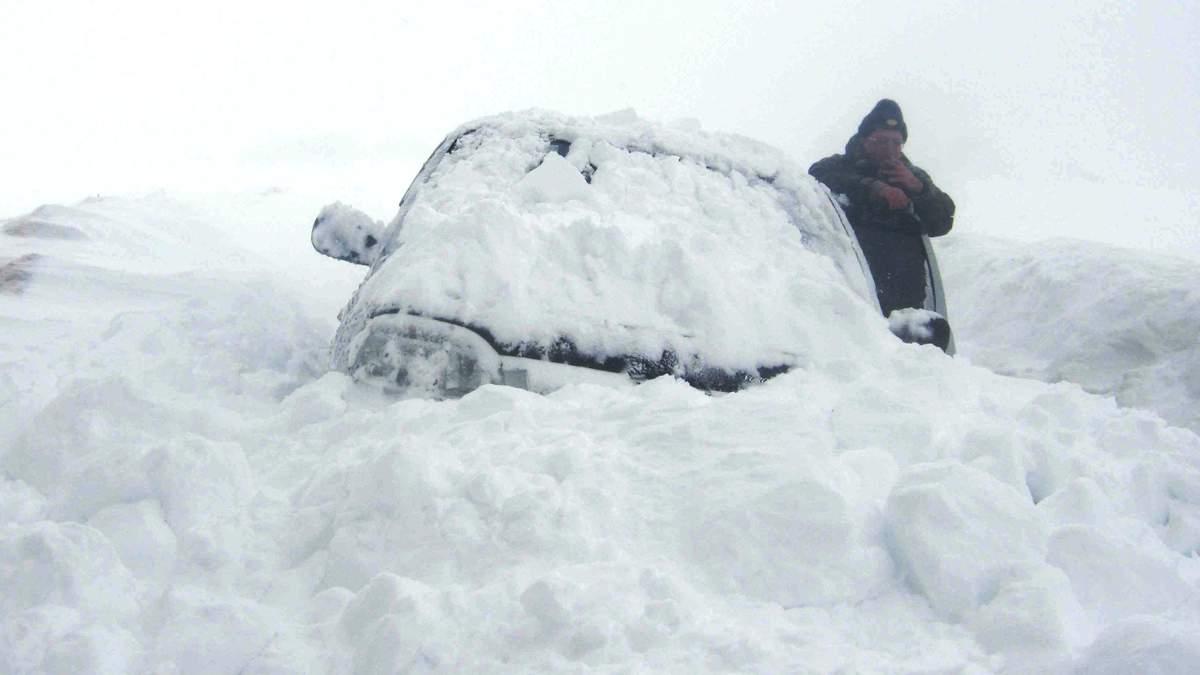 Як не замерзнути в заметіль: якщо застряг в снігу