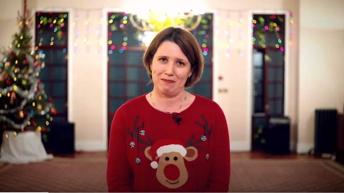 Британское посольство приветствовало украинцев с рождественскими праздниками с помощью емоджи
