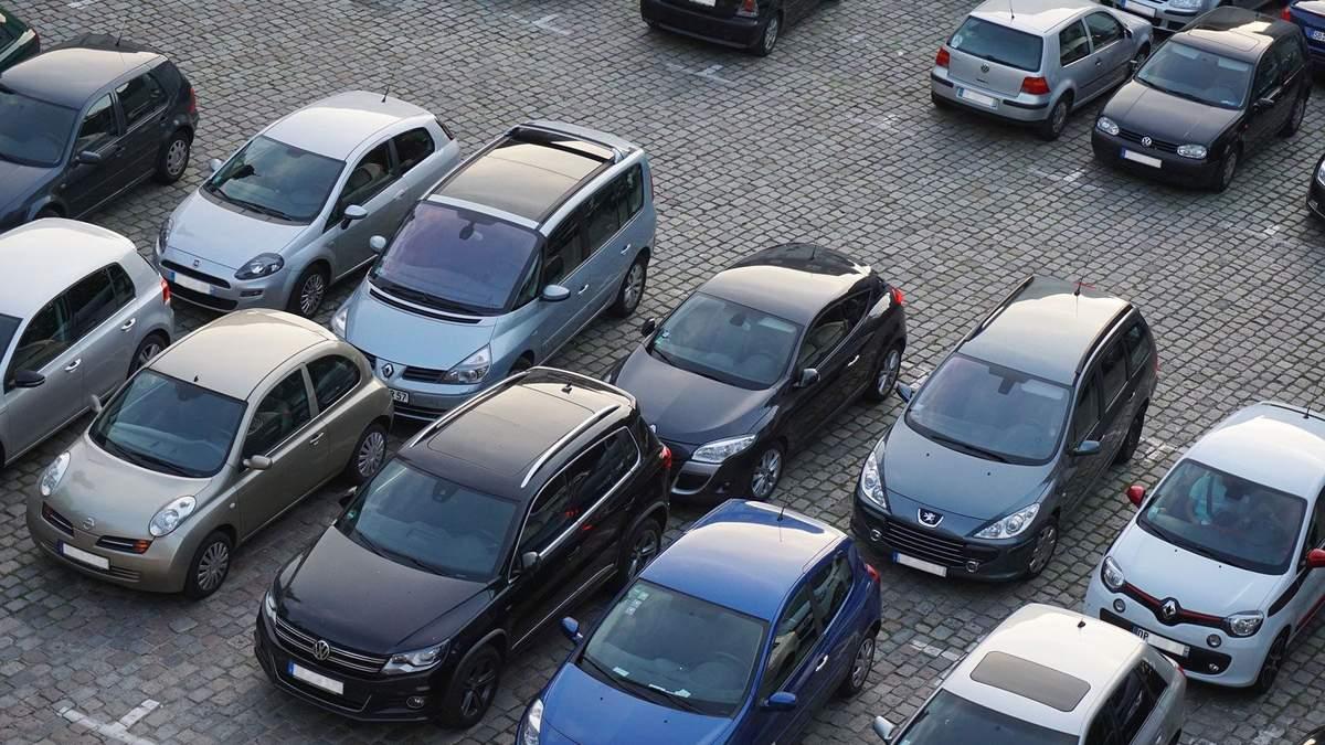 Окупанти штрафуватимуть авто з українськими номерами у Криму