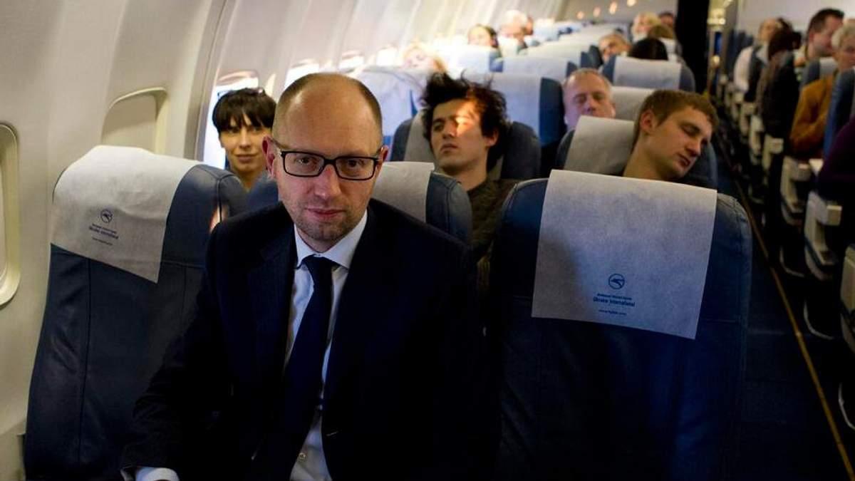 Яценюка затримали в аеропорту Женеви