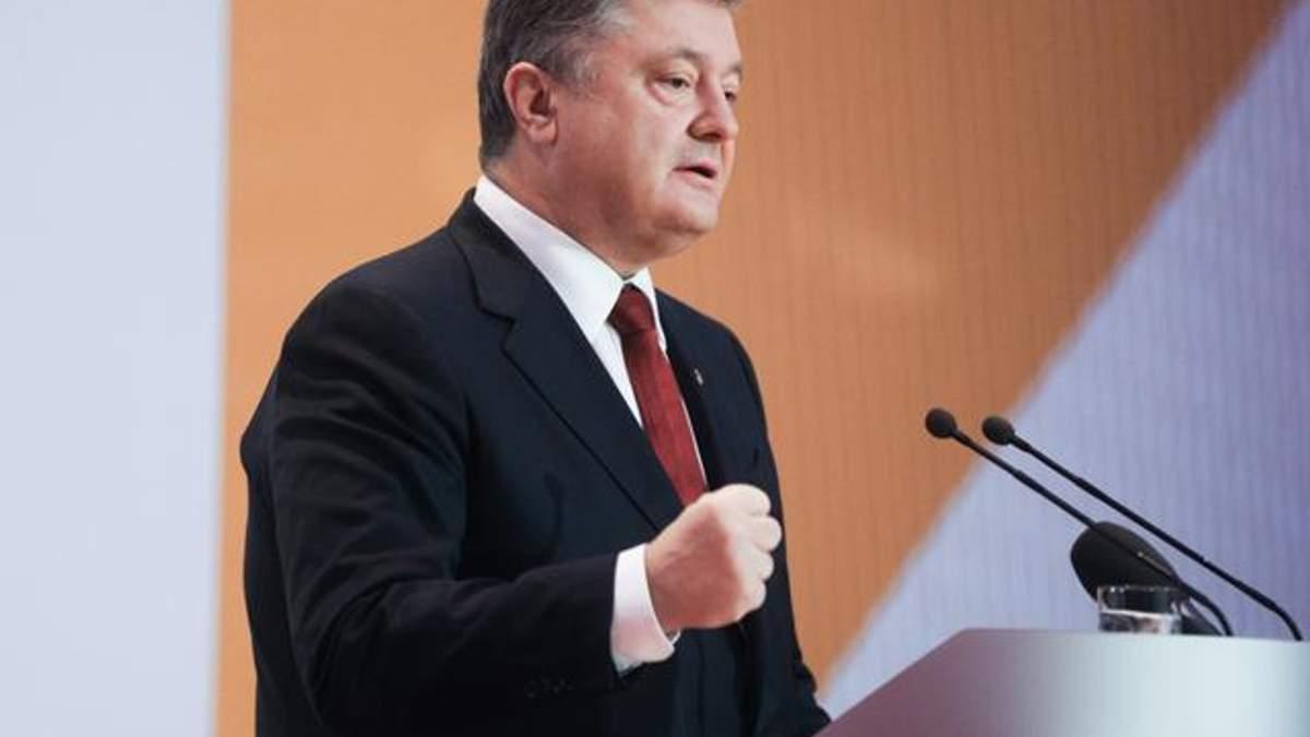 Порошенко поручил возобновить переговоры по возврату заложников из России и Донбасса