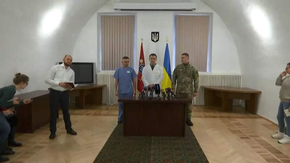 Українські медики обстежили визволених з полону українських бійців