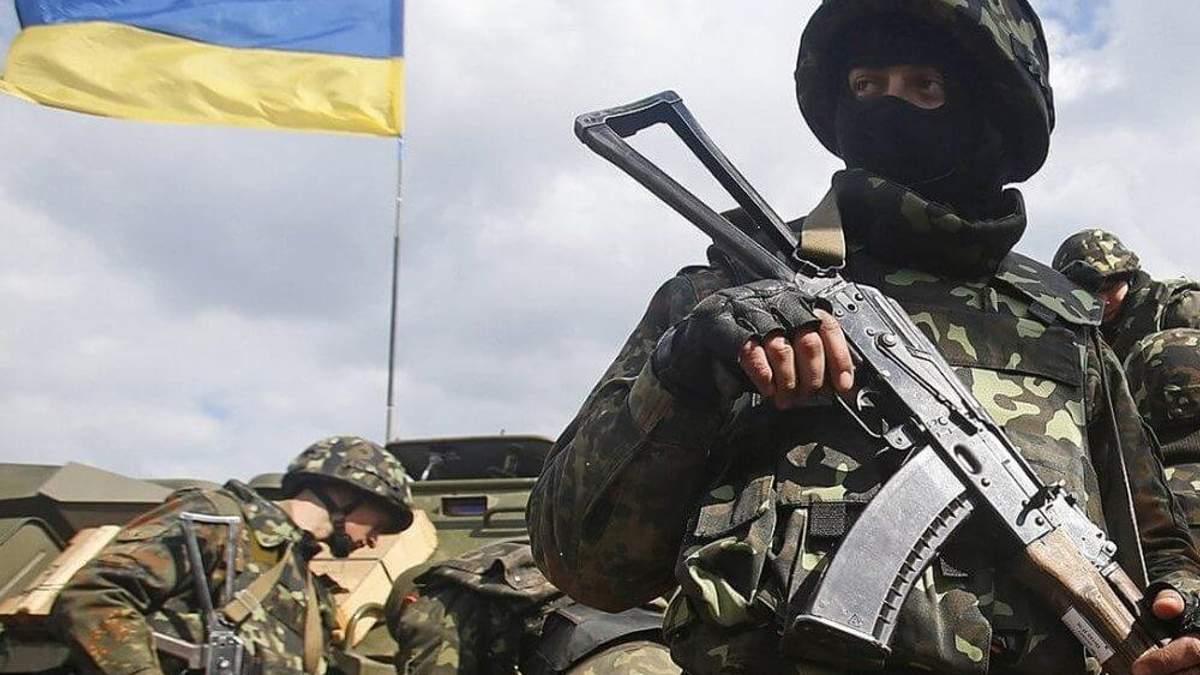 Обстріли на Донбасі: двоє українських військовослужбовців зазнали легких поранень