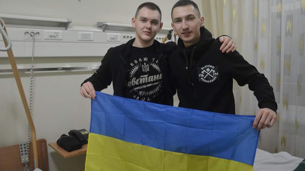Артем Ахмеров і Владислав Овчаренко