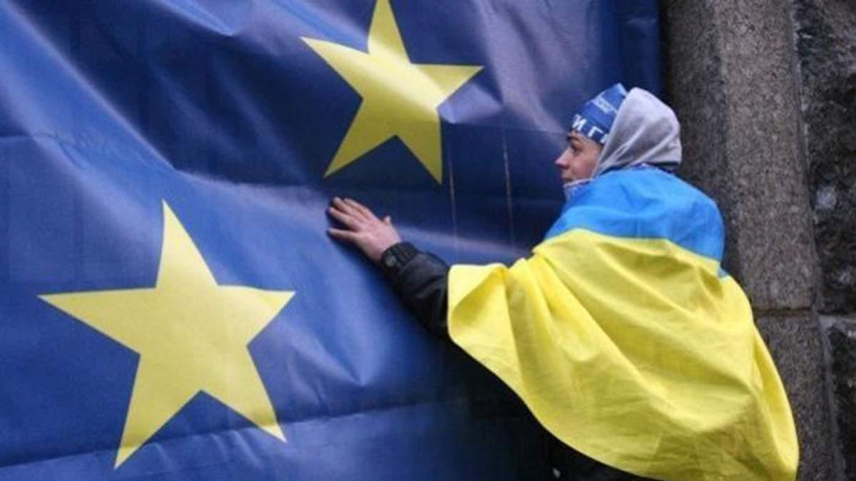 В Польше прокомментировали скандал с сине-желтой формой для украинских рабочих