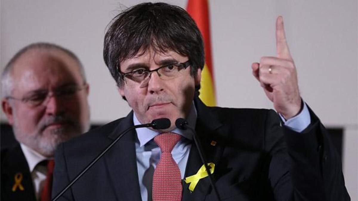 Пучдемон присягнув на вірність Конституції Іспанії