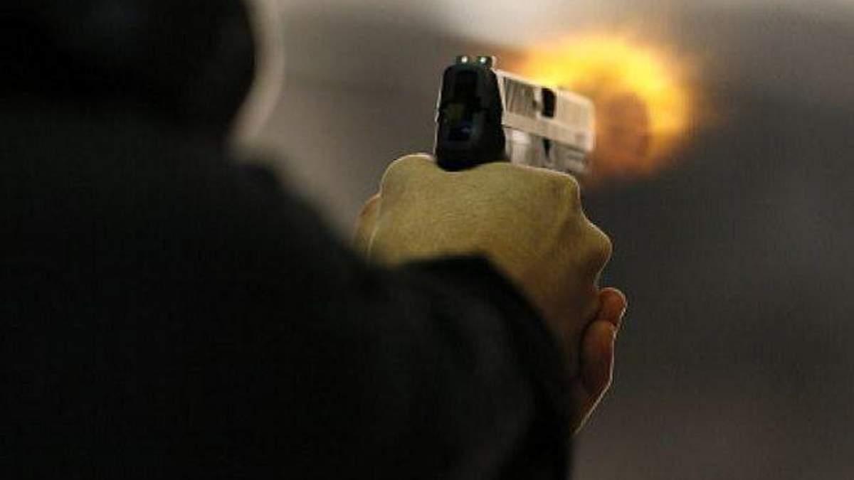 Неизвестный устроил стрельбу в школе США: есть пострадавшие
