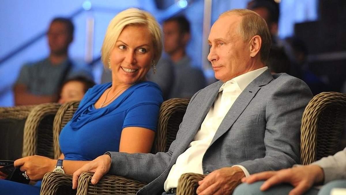 Посіпака Путіна захопився жіночим образом господаря Кремля