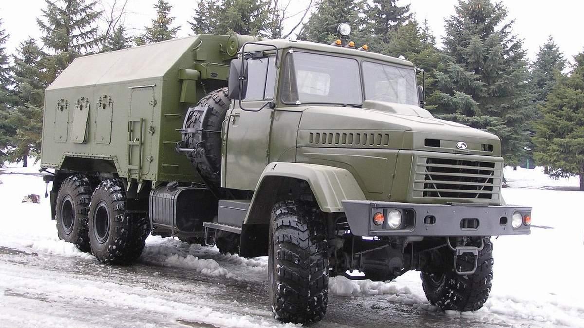Військова вантажівка не розминулася з автобусом, який віз шахтарів (ілюстрація)